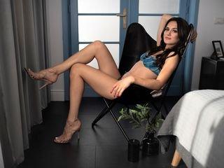 selenereen european cam babe shows striptease to excite you online