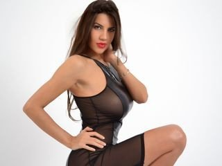 hotdiva19 bisexual cam girl loves close up live show on XXX cam