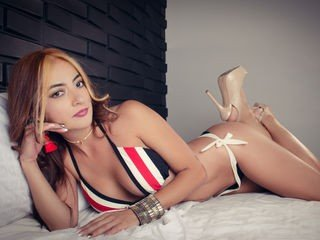 fabianamarcuzzi cam girl presents role play with sex toys live on cam