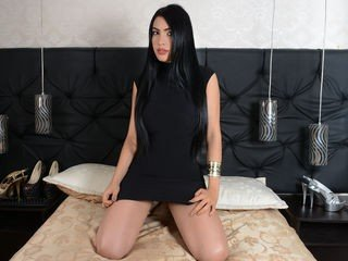 valerysweetxx horny cam girl already knows how to cum and how to squirt online
