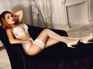 demmidee european cam whore start to explore her tight body online