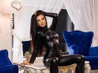 simonelin european cam babe shows striptease to excite you online