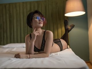 siolakun cam babe wants you evaluated her striptease online