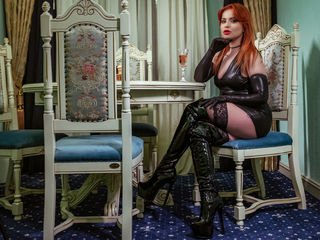 reginabanilor smoking cam girl waiting for role-playing games online
