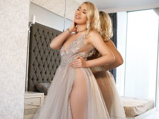 joyfulcharlotte cam babe dancing striptease to earn a good fucking roleplay online