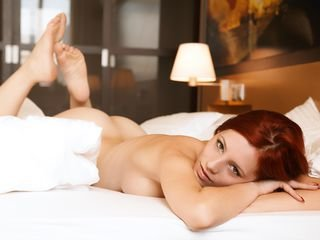 luluwolfie bisexual cam girl loves close up live show on XXX cam