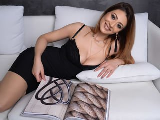 rebekarosse slim cam babe doing everything types live sex you ask them in a sex chat