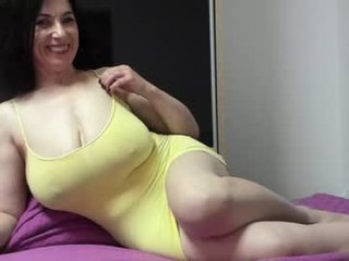 angell6969 english cam girl show his beauty legs online