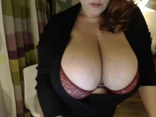 julialiones mature cam girl presents awesome live oil show