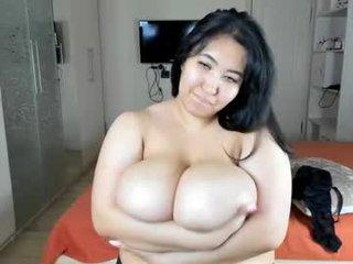 nika_lia BBW cam girl offers pleasing for you big boobs on camera