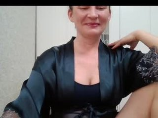 jessikkaasexy09 french cam mature gets her pussy fiddled and fucked on camera