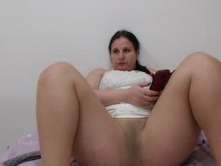 carlasexy27 cam babe loves caresses her clit and pussy at the same time online