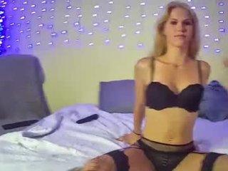 roxxxy_and_dean webcam pair presents blowjob show online