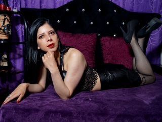 evangelineclark cam babe dancing striptease with sex toy in pussy online
