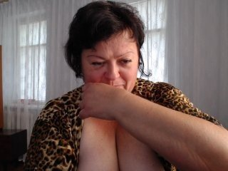 milaya1409 bbw cam girl enjoys her first taste of cum