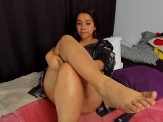 emily_vader latina cam girl loves masturbates fast and strong on camera