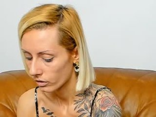 staceybella horny cam chick gets her feet licked off by slave online