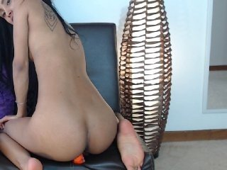 saragrey13 naked slim cam babe loves taking fingers into her clean shaved cunt and tight asshole online