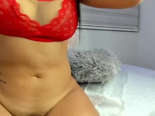 sophi_reyess cam babe with big tits in private live sex show