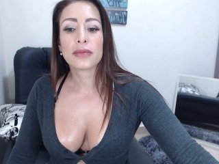 kyle2050 latina cam likes when her kisses all the intimate places online