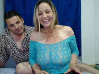 latin-porno latina cam babe brings live sex to him online