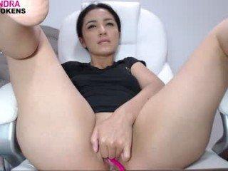 alejalatinhot latina cam girl likes to sit naked on camera