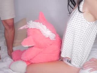 marylou2000 cam girl sexy groans when her hairy pussy vibrates ohmibod