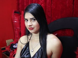 violetasmill latina cam girl likes to sit naked on camera