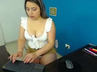 scarlett_adamss cam girl loves roleplay games with pussy penetration scenes online