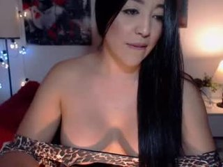 sofiasimpson tattooed cam girl loves only extreme live sex online
